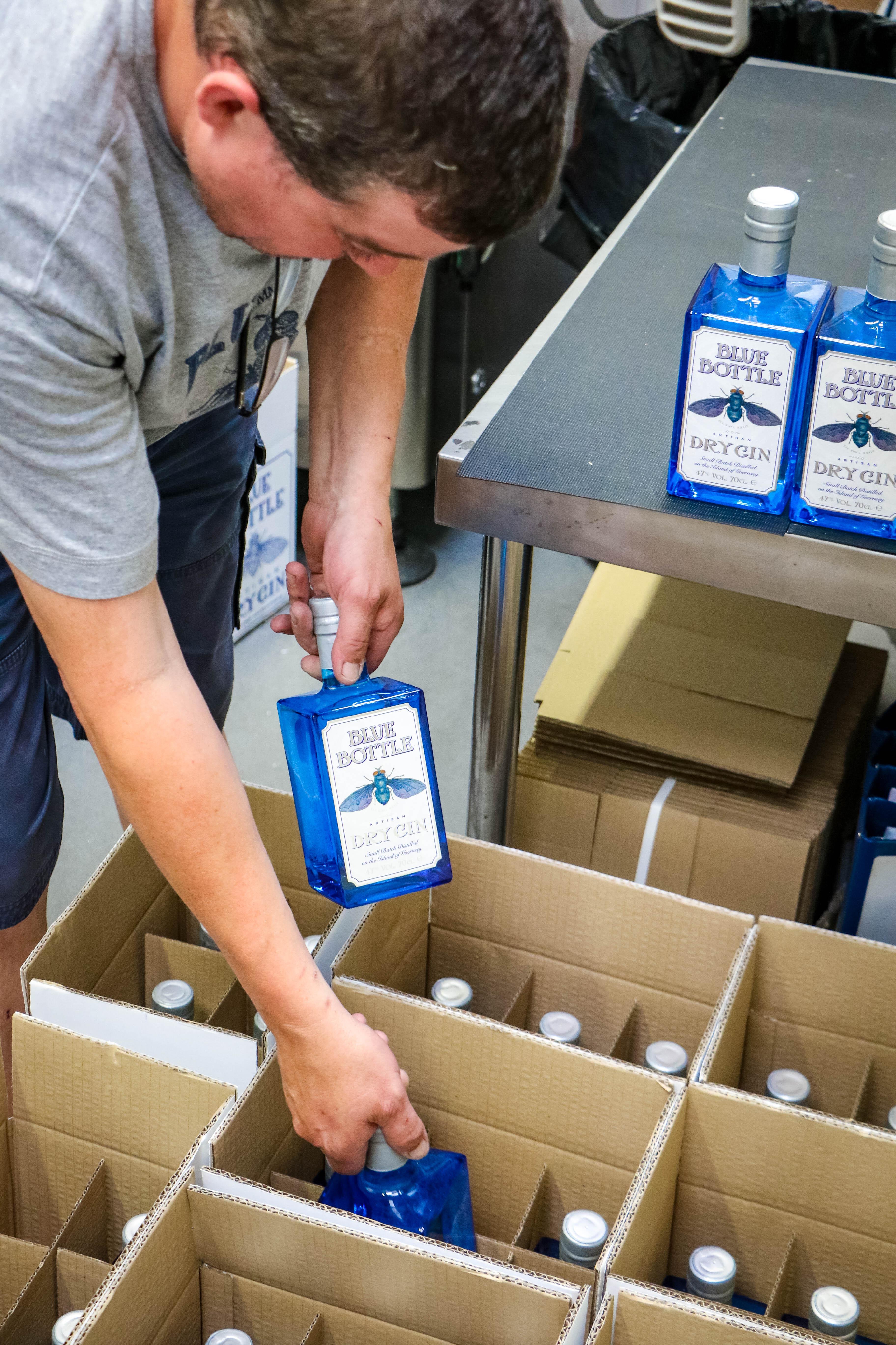 Blue Bottle Gin team box boxing shipping
