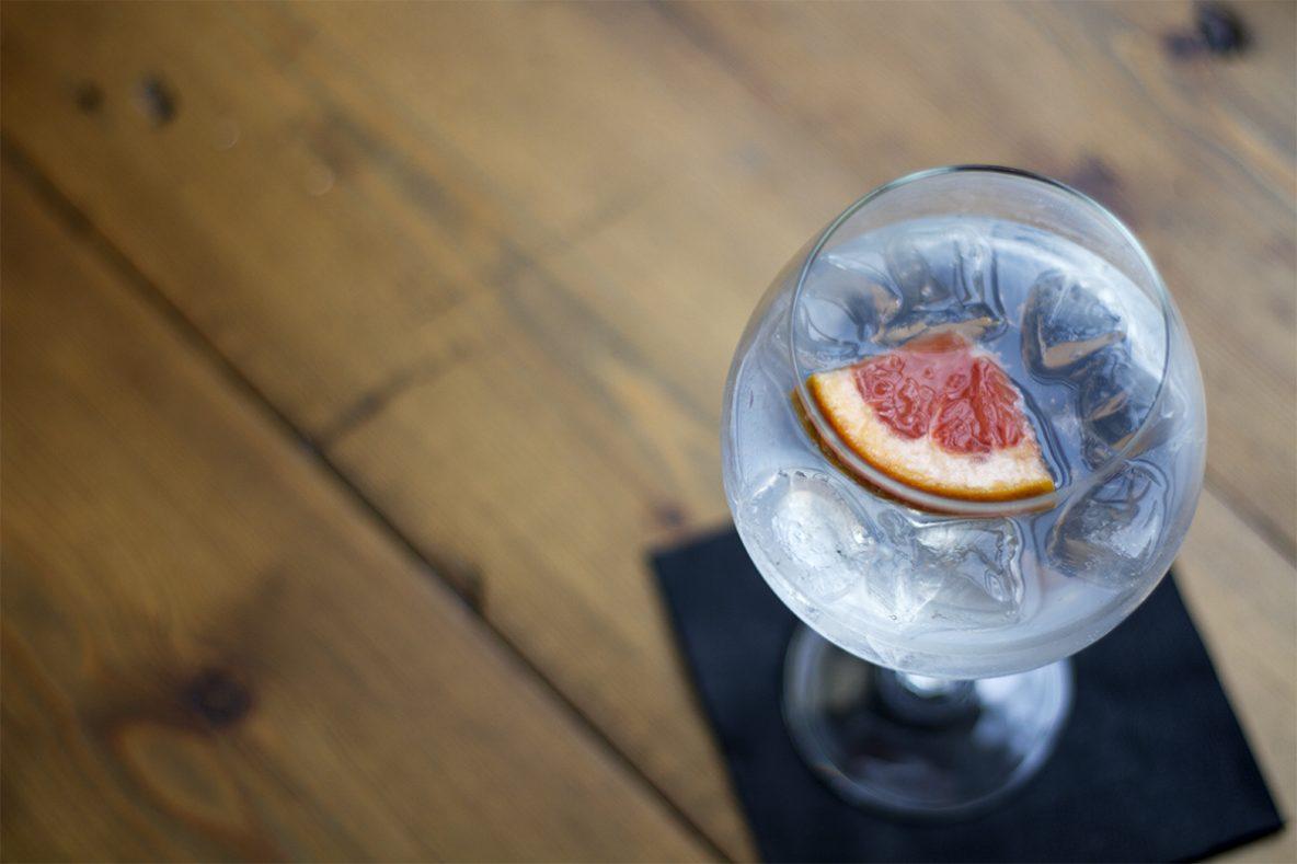 Wheadon's_Gin_Tonic_Blue Bottle